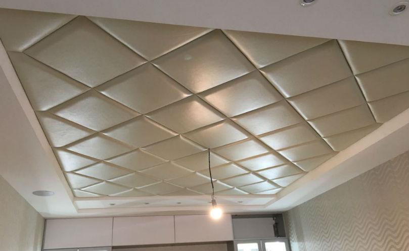 Потолок декорированный мягкими панелями