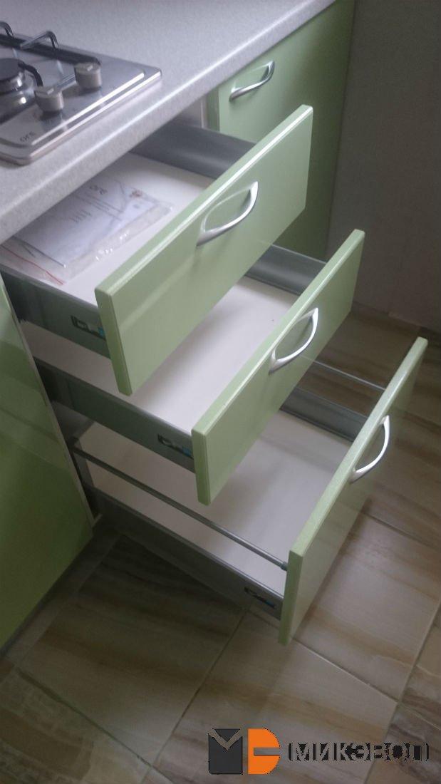 Фото: кухонные ящики с направляющими Хеттих