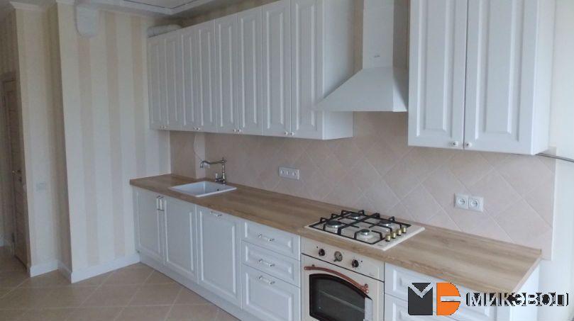 Белая кухня в ЖК Сампо