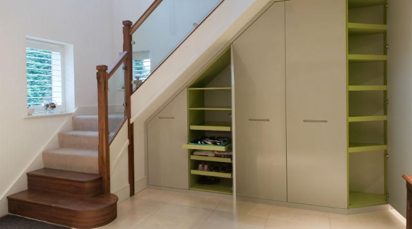 Шкаф под лестницей, фото