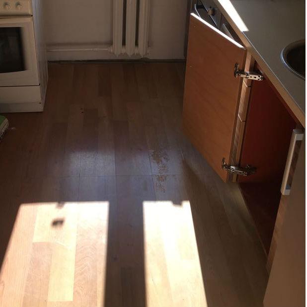 Дверца кухонного шкафа с петлями 135 градусов открывания