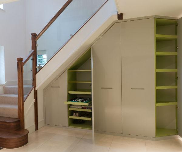 Шкафы=купе на заказ под лестницей