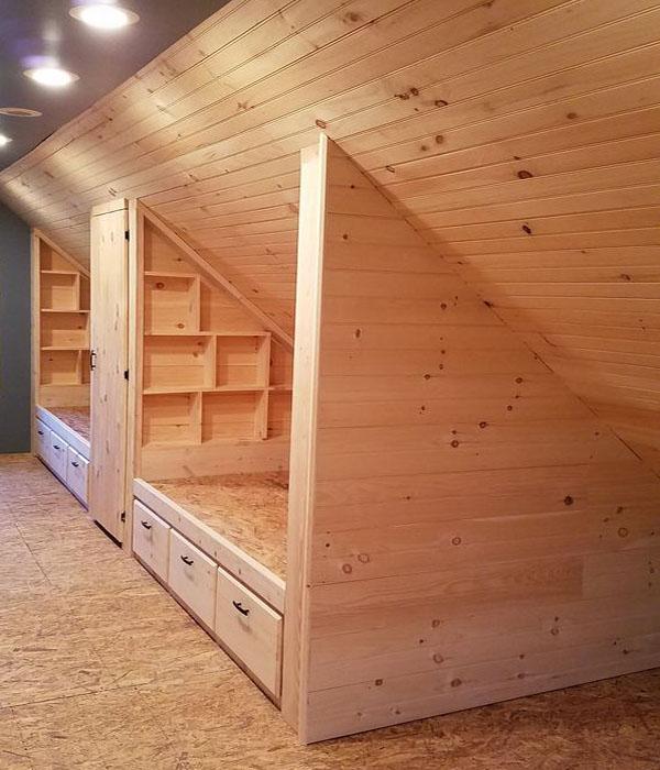 Деревянная мебель для мансардных комнат фото