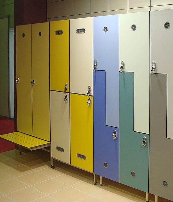 Шкафчики в школьные раздевалки фото
