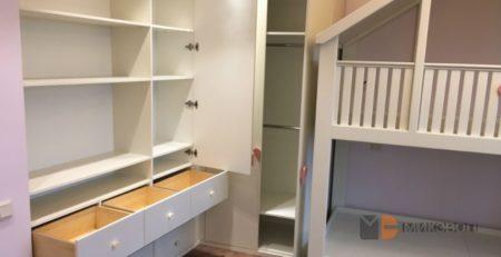 Шкафы в детской комнате фото